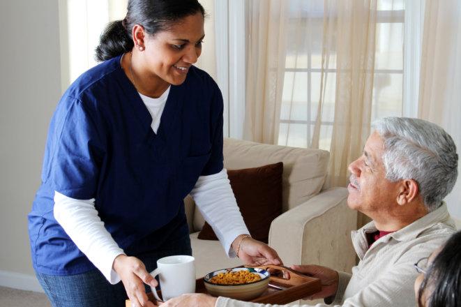 Tips: Help Seniors to Eat Despite Appetite Problems
